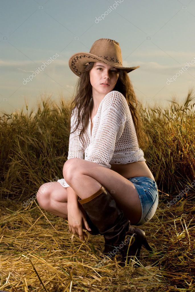 сексуальная девушка в одежде эротика фото