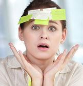 Mulher de negócios com adesivos — Foto Stock