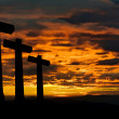 Crosses silhouette against the sky at sunset — Stock Photo