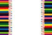 Lápices de colores sobre un fondo blanco, estudio de tiro — Foto de Stock