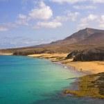 Beautiful beach and sea in Lanzarote island, Spain — Stock Photo #9378993