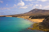 Beautiful beach and sea in Lanzarote island, Spain — Stock Photo