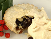A Mince Pie with Brandy Cream — Stock Photo