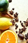 Citrus fruit and spice — Stock Photo