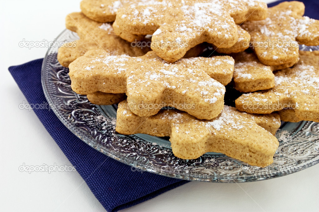 Gingerbread Cookies on a glass plate. — Stock Photo #8265268
