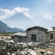 View of local house in Himalayan mountains, Nepal — Stock Photo
