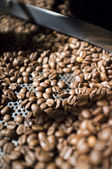 Roasted dark coffee beans — Stock Photo