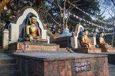 Standbeeld van boeddha's in swayambhunath tempel — Stockfoto