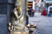Nyfikna buddha-staty i — Stockfoto