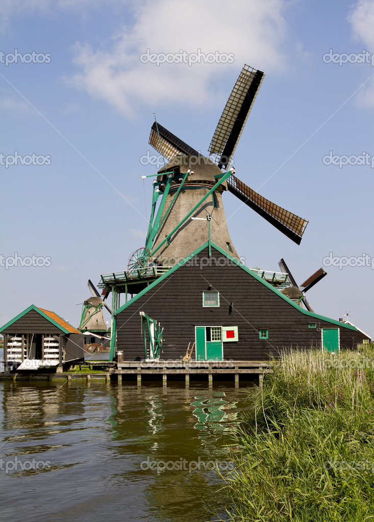 Zaanse Schans Historic Paint Mill 'De Kat' — Stock Photo #8162317