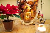 Wijnkurken en decoratie van kerstmis — Stockfoto