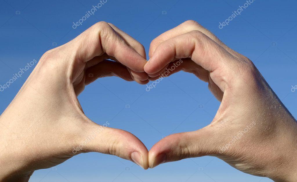 Как сделать из пальцев рук сердце 607