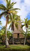 Polynesian hut on Oahu Island in Hawaii — Stock Photo
