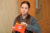 Kız genç bir baş ağrısı ile — Stok fotoğraf