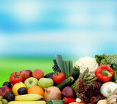Fruit and vegetables on blurred background — 图库照片