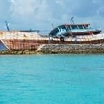 Shipwreck in Maldives islands — Stock Photo