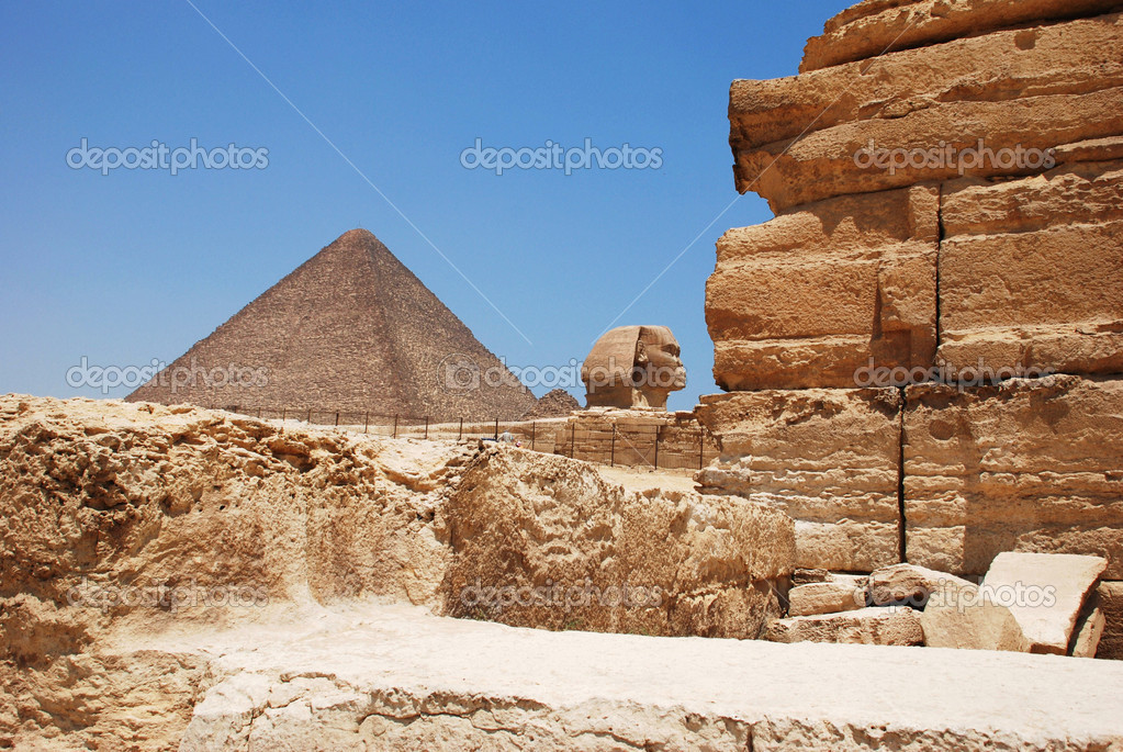 The pyramids of giza in cario — Stock Photo #10520456