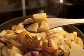 Gebratene kartoffel zuhause gemacht — Stockfoto