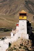 Ancient Tibetan castle — ストック写真