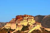 Potala sarayı tibet'te dönüm noktası — Stok fotoğraf
