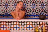 Woman in the bathtube — Stock Photo