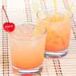 Alcohol margarita cocktails or long island Iced tea — Stock Photo