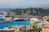 Harbor with luxury yachts, cruise ships of the city of Nice, Fra — Stock Photo