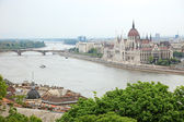 Parliament of Hungary on the riverside of Danube river, Budapest — Stock Photo