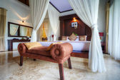 Luxury tropical villa bedroom, Bali, Indonesia. — Stock Photo