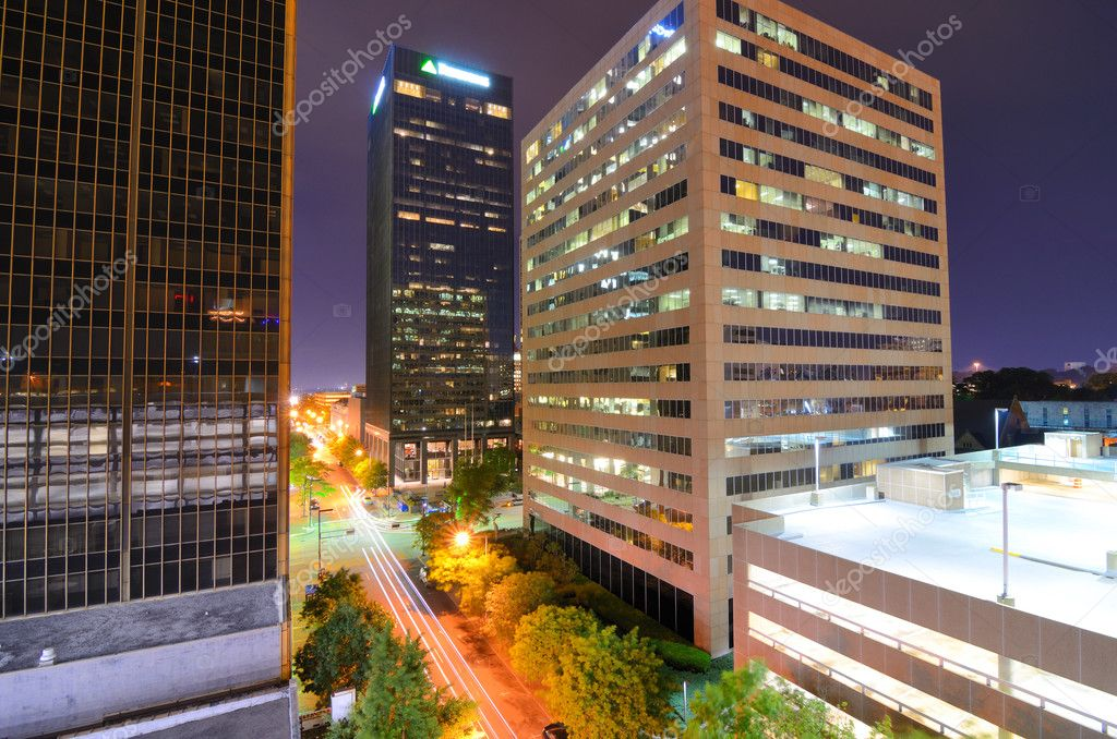 Urban scen along 5th Ave in downtown Birmingham, Alabama. — Stock Photo #10357768