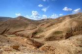 Paisaje desértico en las colinas de judea — Foto de Stock