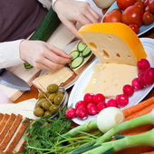 подготовка вегетарианские бутерброды — Стоковое фото