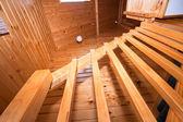 Detalhe da escadaria de madeira no apartamento lodge — Foto Stock