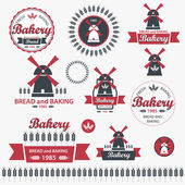 Set of vintage retro bakery badges and labels. Vector — Stock Vector