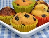 Home made chocolate chip muffins — Stock Photo