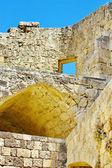 Mauern der antiken akropolis in lindos — Stockfoto