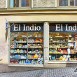 Tourists near the gift shop El Indio in Stockholm — Stock Photo
