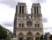 Katedrą notre-dame w Paryżu — Zdjęcie stockowe