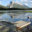 A man overlooking Vermilion Lakes — Stock Photo