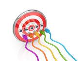 Tablero de dardos y coloridos latiguillos. — Foto de Stock