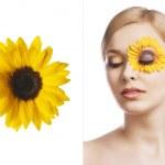el maquillaje floral, ha resultado de tres cuartos — Foto de Stock