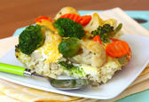 Vegetable casserole of cauliflower, broccoli and carrots — Stock Photo