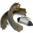 New brake pads and cylinder brake drum (isolated) — Stock Photo