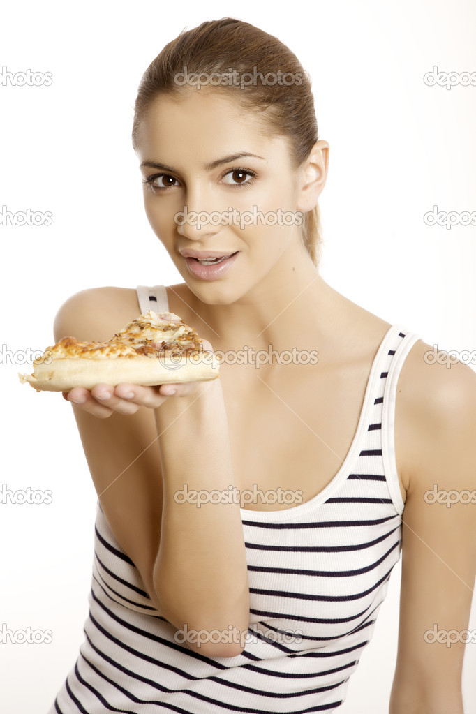 年轻漂亮的黑发女人吃披萨孤立在白色背景上 — 照片作者 bartekwar