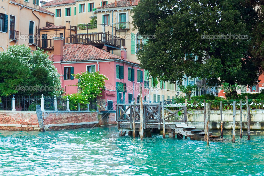 Nice summer venetian canal view, Venice, Italy — Stock Photo #10383713