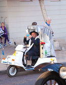 "Puerto del Rosario, Spain - FEBRUARY 25: ""Popemobile"" takes part — Stock Photo"