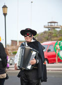 "CORRALEJO - MARCH 17: Dressed-up participant, ""Zorro"" at assembl — Stock Photo"