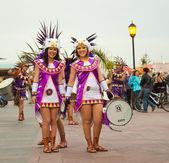 CORRALEJO - MARCH 17: Samba band in historical costumes at Grand — Stock Photo