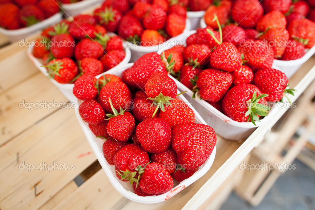 Farmers market series - fresh strawberries  Photo #10408008