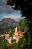View of a mountain village in Corsica. (village of Evisa) — Foto de Stock